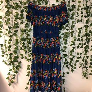 Off-the-Shoulder Floral Midi Dress 🌿
